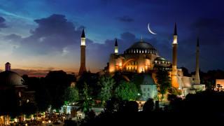 """Турция може да превърне """"Света София"""" отново в джамия"""
