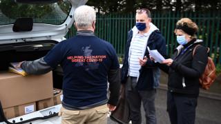 Краят на пандемията в Британия се вижда, но дисциплината е решаваща