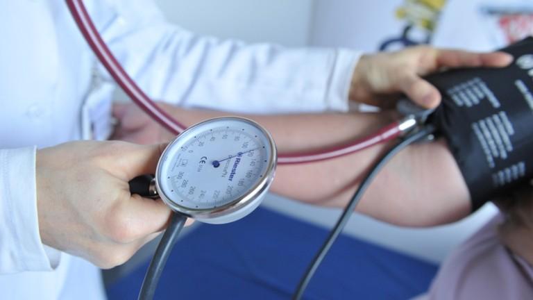 Безплатни прегледи за хора с проблемно кръвно налягане във ВМА