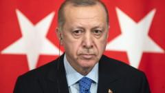 Ердоган стартира кампания, дари заплатата си за 7 месеца