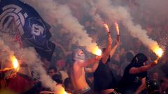 Пиратка гръмна в ръцете на 15-годишен на мача между Левски и ЦСКА-София