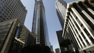 Небостъргач е най-високата сграда на западното крайбрежие на САЩ