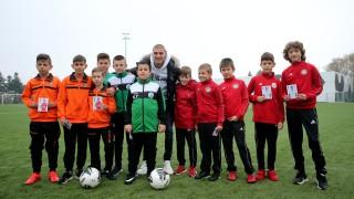 Кирил Десподов зарадва млад фен