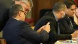 Депутати от БСП се стреснаха да са с журналисти в една зала