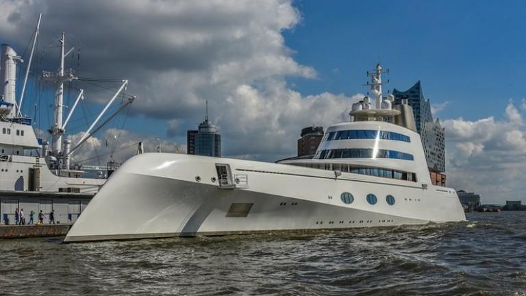 Списания Forbes състави класация на яхтите на 106 руски милиардери.