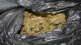 Хванаха мъж и жена с 200 гр кокаин и 5 кг трева