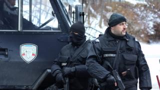 Секретни папки открити в офиса на Алексей Петров