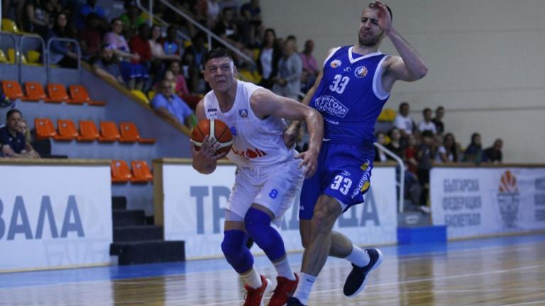Николай Стоянов ще играе в Берое, а не в Черно море Тича