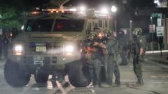 Уисконсин призова националната гвардия в размирици след полицейска стрелба по чернокож