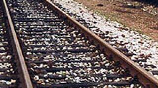 Прегазен от влак младеж изпадна в кома