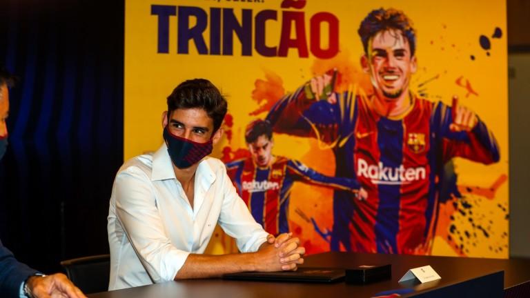 Футболист на Барселона е под карантина