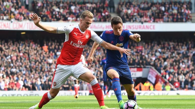 Още един играч на Арсенал със съмнение за тежка травма