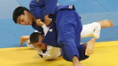 Елитът на бойните ни спортове поздрави световния номер 1 Денислав Иванов