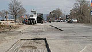 """Неустойки за гръцката фирма, ремонтираща път """"II - 19"""", ако закъснее"""