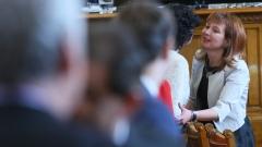 Русинова обеща скоро да има позиция по въпроса за втората пенсия