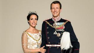 Защо принцът на Дания се мести във Франция