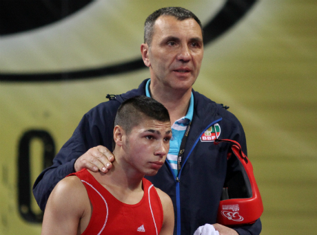 Български боксьор жестоко ощетен в Баку!