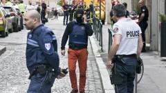 Най-малко 13 ранени след експлозия в Лион