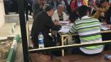 Попълване на декларации за гласуване извън секциите в Турция