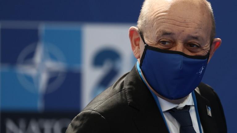 """Франция дамгоса """"завземането на властта"""" от Русия в ЦАР"""