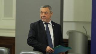 За оставка на Валери Симеонов настояват 5 партии