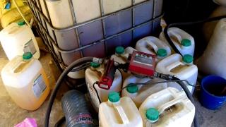 Производител на зърно си държи в склада и резервоар с гориво