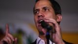 """Гуайдо посрещнат с викове """"убиец"""" във Венецуела"""