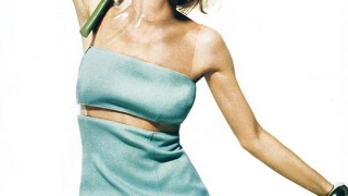 Ева Херцигова разцъфва отново за Elle US