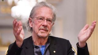 Албания и Косово бойкотират Нобеловите награди заради Петер Хандке