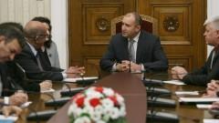 Радев развива партньорството с Алжир в борбата с тероризма