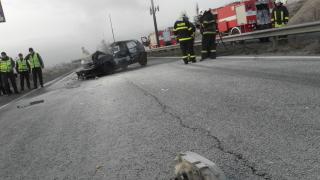 Кола с метанова уредба пламна след катастрофа край Бургас