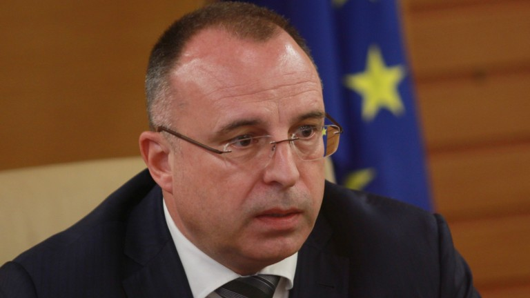 Порожанов хвърли оставка