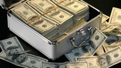 Ултрабогатите инвеститори и инсайдърите продават акциите си