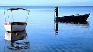 Търсят двама туристи от потъналия край Санторини кораб
