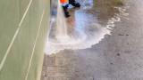 Коронавирусът, Испания и пръскането на плажове с белина