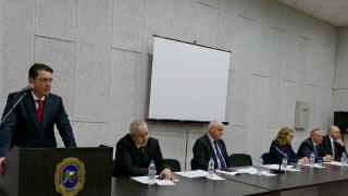 МВР шефът се хвали с изцяло експертен политически кабинет