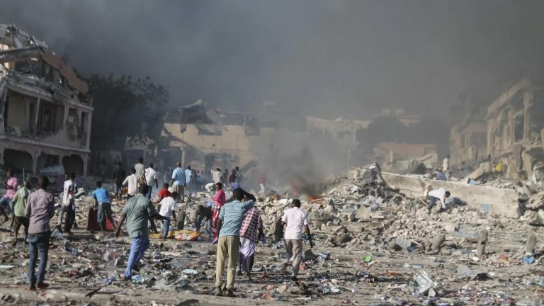 Расте броят на убитите и ранените при най-кръвопролитната атака в Сомалия