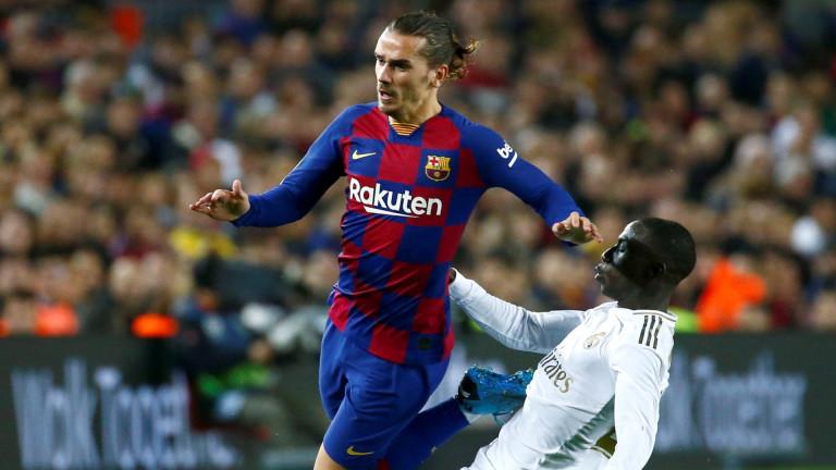Нападателят на Барселона - Антоан Гризман ще остане в клуба,
