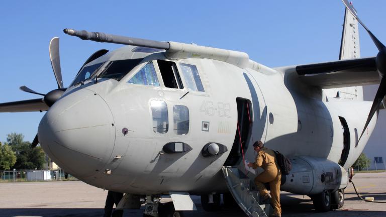 """Самолет """"Спартан"""" спешно транспортира 5-годишен пациент от Бургас до София"""