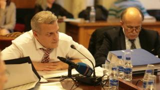 Без особен интерес депутатите изслушаха Москов за здравната карта