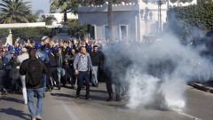 Бутефлика обещава нови избори, няма да се кандидатира