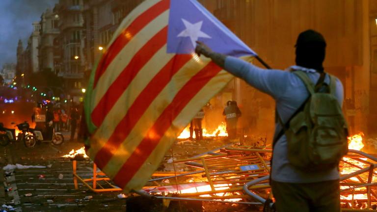 Най-малко 89 души бяха ранени в петък в Каталуния по