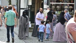 Спор в управляващата коалиция в Германия за ролята на исляма