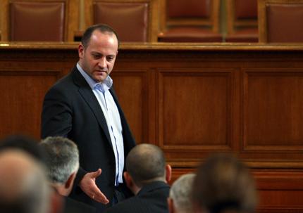 Да браним смелия Плевнелиев, призова Радан Кънев