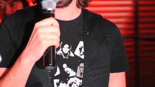 Румънски турист гепи микрофона на Стефан Илчев