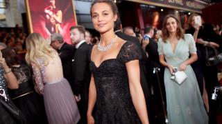 Новата Лара Крофт оплете най-желания ерген в Холивуд (СНИМКИ)