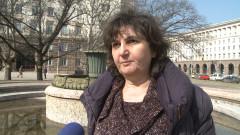Сдружения изпращат в МОН жалба срещу розовите тениски в училище
