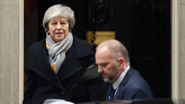 Колко голяма ще е загубата на премиера на Великобритания Тереза