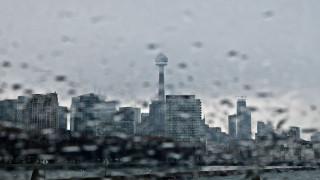 Леден дъжд отмени над 200 полета в Торонто