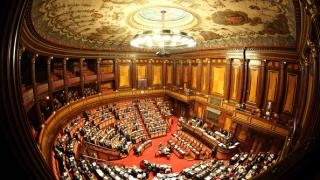 Италианският сенат отхвърли два вота на недоверие срещу правителството